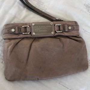 Marc by Marc Jacobs Nude dr q leather wristlet